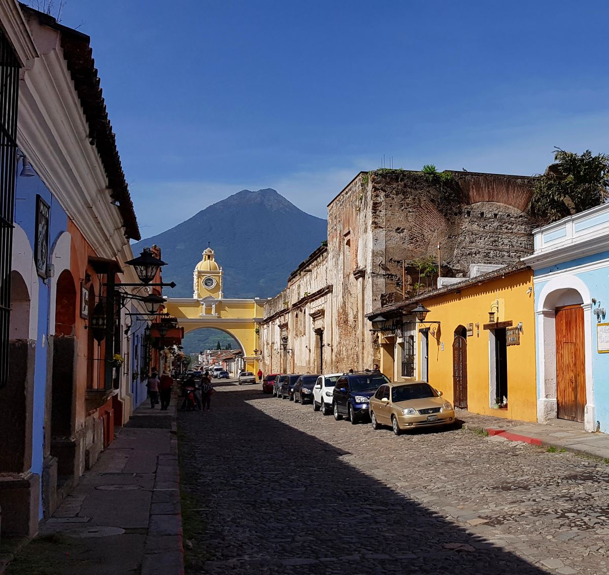 things to do antigua guatemala arco de santa catalina