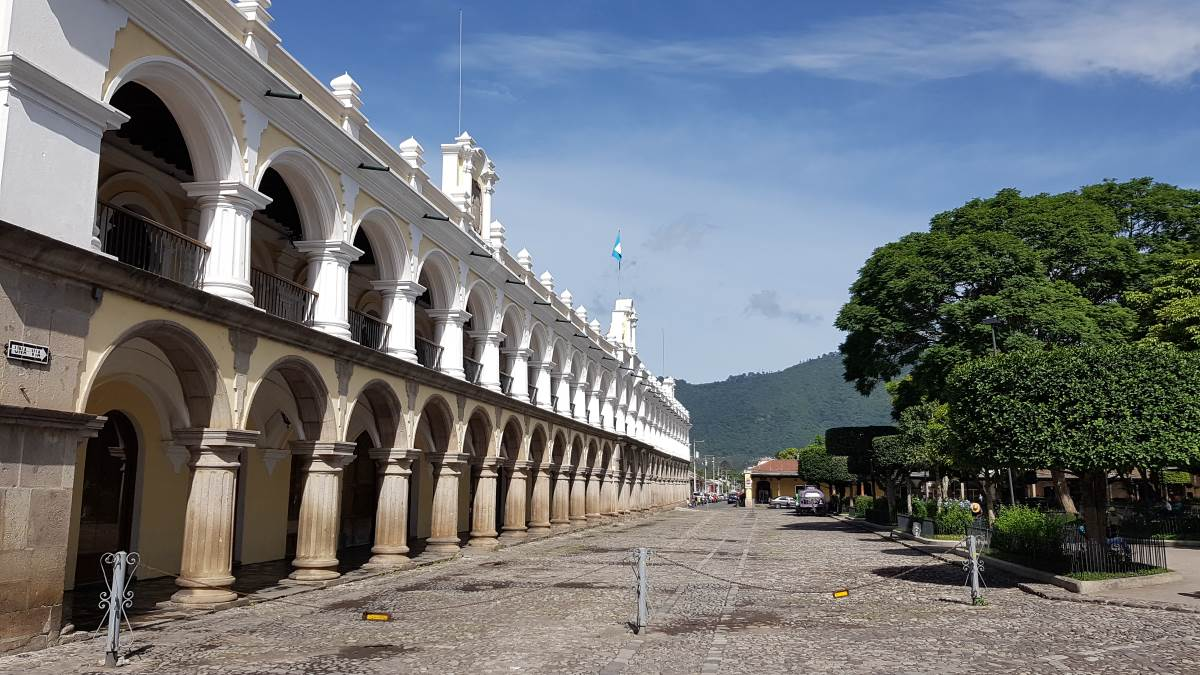things to do antigua guatemala parque central