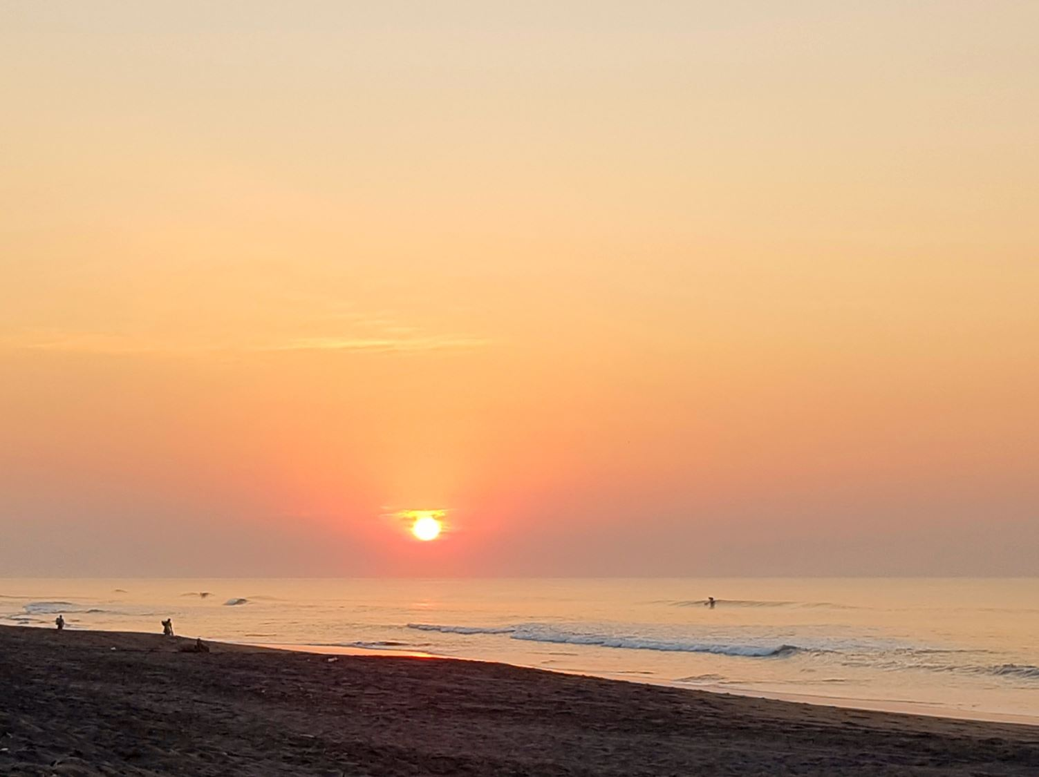 things to do in Guatemala El Paredon Beach sunrise