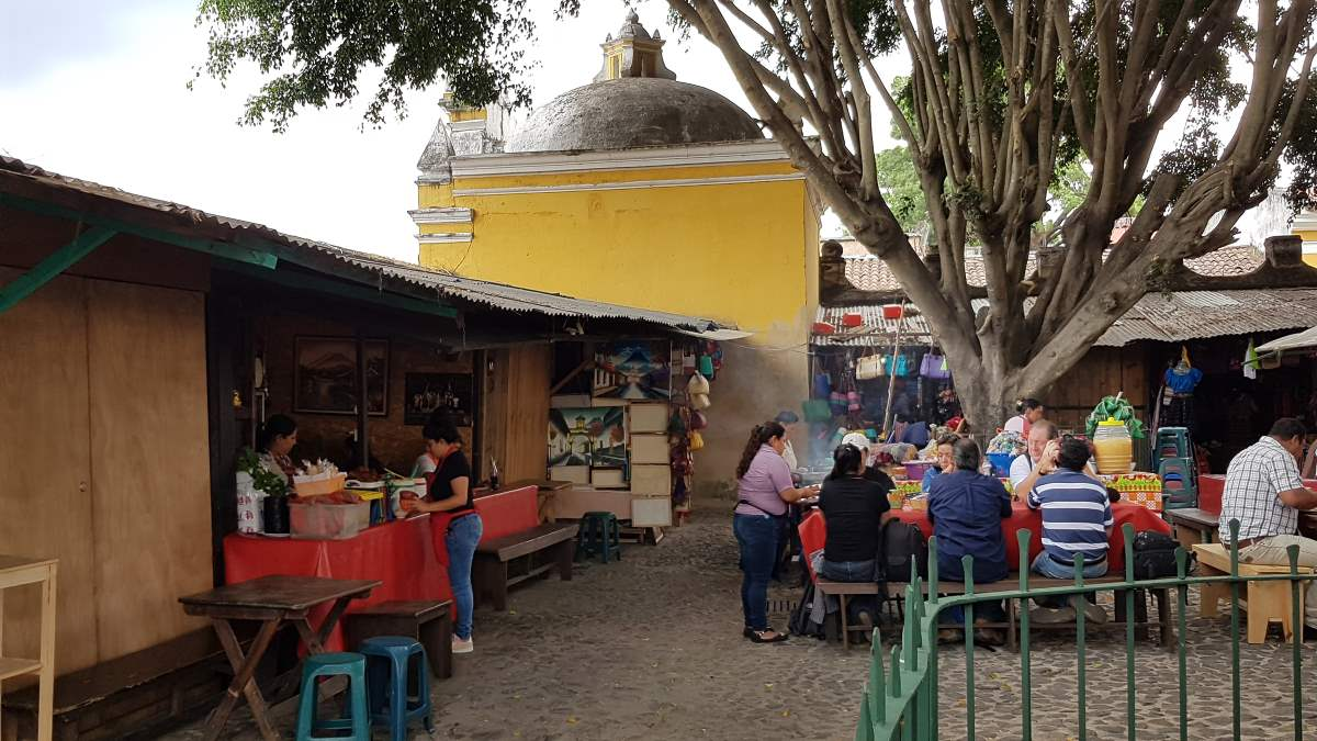 where to eat antigua guatemala santo hermano perdo2