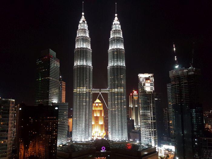 Things to do Malaysia Kuala Lumpur Twin Towers Petronas Towers night2