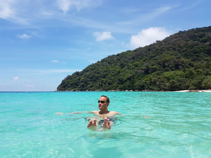 Things to do Malaysia Perhentian Besar Turtle Beach5