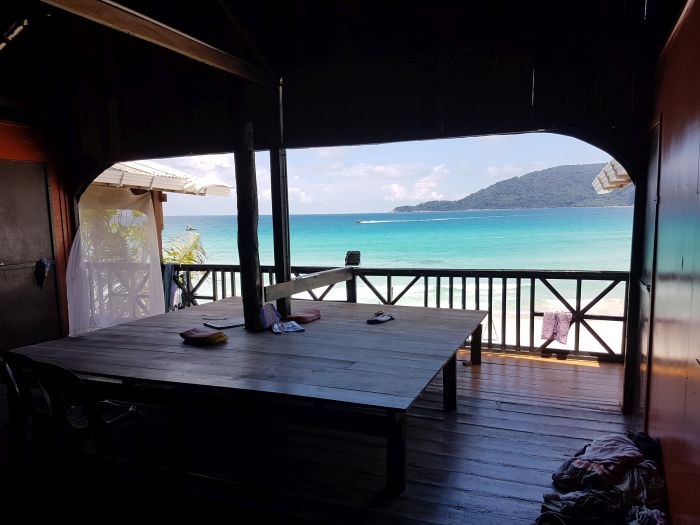 Things to do Malaysia Perhentian Kecil long beach 1