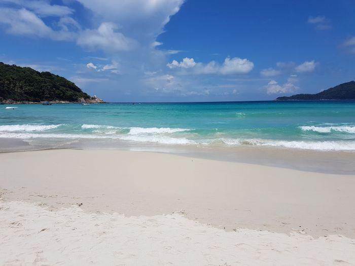 Things to do Malaysia Perhentian Kecil long beach2