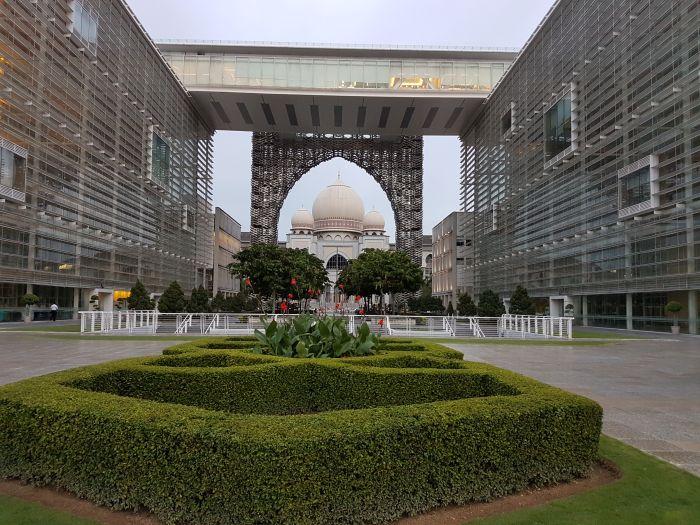 kuala lumpur city guide Things to do Kuala Lumpur Malaysia iron mosque putrajaya
