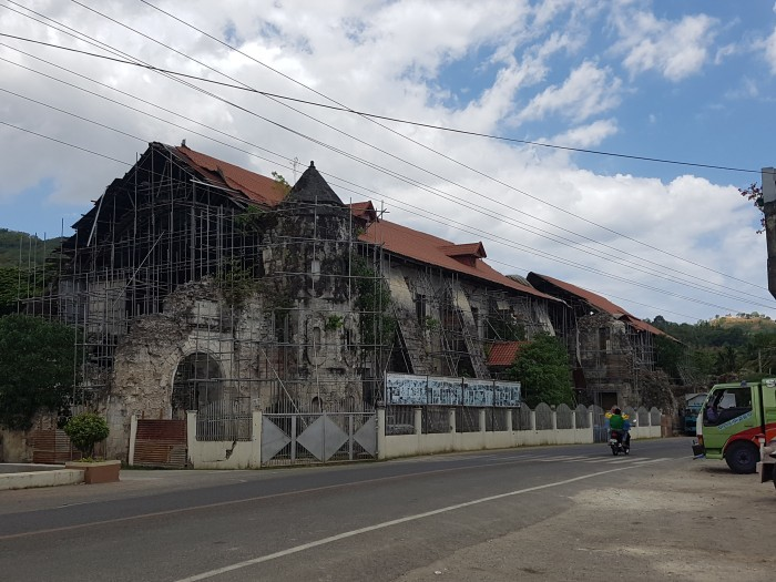 top things to do philippines bohol church