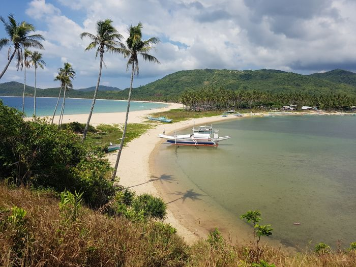 top things to do philippines palawan nacpam beach